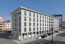 Hampton by Hilton Dortmund mit Muschelkalk Grigio Alpi