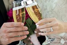 Wedding Toasts / The big day is coming and you have to get your #wedding #toast ready? So far, you are on the right track. But what else is there? What should you say? Should you make that joke you just thought about? Let's get you ready for the mother of all wedding toasts. - See more at:  http://www.groomstand.com/blogs/grooms-playbook/11897401-wedding-toasts-a-nightmare-moment-or-a-great-moment