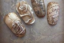 Vitange nail art