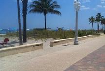 Hollywood Florida / Beautiful Beaches, Sand, Palm Trees, Boardwalk, Hollywood Florida