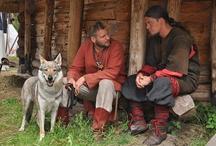 Wikingowie , ich życie codzienne oraz kultura / Ta tablica jest o rekonstrukcji historycznej