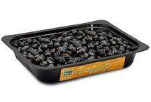 GastronomiaGourmet (olive in vasche da 1,5 kg trays) / uesta linea trova il proprio concept nella necessità di fornire al gastronomo del supermercato o del negozio specializzato un prodotto selezionato, condito, speziato ed omogeneo, ovviando alle molte difficoltà di gestione delle olive condite e vendute a peso. - - - English - - -1.5 kilo (3.3lb) Large trays, a range conceived for Restaurants, Salad Bars and Supermarket's deli counters or simply to be displayed on the top shelves of any grocery store.