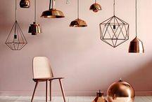 ➕ Collectie: Verlichting / Heeft u bij ons mooie meubelen aangeschaft of wilt u juist uw huidige meubelen letterlijk in de spotlights zetten? Dan bent u bij Verouden Wonen in Eindhoven aan het juiste adres. Bij ons vindt u namelijk een groot assortiment aan verlichting en dat in diverse stijlen.