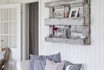 Shelves in many variations / Shelves
