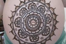 Henna belly art