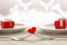 Jantar Romântico - Dicas de Decoração / Esse board foi pensado em você romântico! Confira ideias de jantar romântico em casa e muitas dicas de jantar romântico em casa a dois. Veja como fazer jantar romântico decoração e tudo sobre jantar romântico receitas. Surpreenda seu amor com jantar romântico surpresa preparando um lindo jantar romântico no quarto ou também um jantar romântico ao ar livre. Você vai encontrar aqui jantar romântico simples e muitas ideias de decoração dia dos namorados. #jantarromantico #jantarromanticosimples
