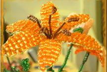 Gyöngyből / Gyöngyből készített virágaimat láthatod itt.