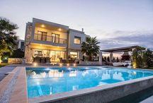 Μοντέρνα Κατοικία με πισίνα