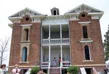 Beautiful Homes / Porches /  Houses and Porches that I find beautiful.