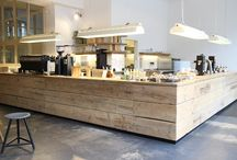 Hotels - cafés - shops