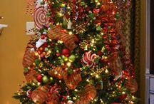 ♥ Sapins / Un collections sympa de tous types de sapins pour la décoration de Noel ! On adore !