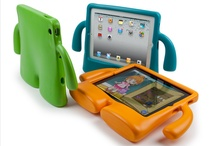 iPad/ iPhone Accessories / by Easybee