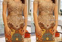 Women Kebaya n batik
