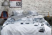 Oryginalna pościel do sypialni / Dziś przedstawiamy kilka oryginalnych propozycji pościeli dla wymagających estetów. Tkaniny w sypialni nie muszą być nudne! Autor: Elżbieta Ławreniuk