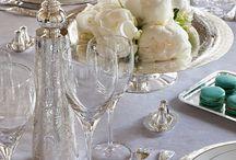 Christofle bei Lothar John / Glänzendes Silber, Kristallglas oder hochwertiges Porzellan ist seit Generationen bei Christofle erhältlich. Diese Wunder schmücken die ganze Tischkultur Welt.