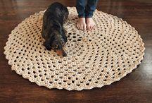 Crochet Round Rugs / by Anabel Valls Schorr