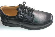 Leather Men Dress Shoes / BROADWEAR MFG is situated in famous Industrial and well known world wide Export City Sialkot. We are dealing mainly in All Sorts of Leather Boots, Sports shoes,Safety Shoes,Leather goods, Bags,Clutches,Motorbike apparel,Saddle bags,Horse and western wear,army surplus & Leather Garments for the last ten years,
