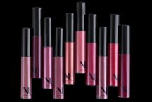 NU EVOLUTION Lip Gloss / High-shine sultry lips should never be a health hazard. Get the luxe look you crave with deeply moisturizing natural ingredients and gorgeous colors that glide on lips with a juicy berry stain or fine wine shine.