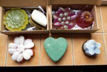 Organic soap / o noua pasiune, săpunuri naturale    , fara conservat, folosesc ulei de palmier,parfumant natural  de diferite nuante florale , uleiuri esentiale citrice etc.
