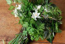 White Wedding Florals / Wild and beautiful wedding flower ideas.