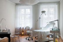 REVIVEKLINIKEN / our clinic / vår kabinett / notre clinique