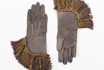 Gloves capsule