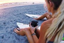 surf / girl surfers
