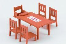 Sylvanian Families Zestaw do Jadalni (Stół i Krzesła) / Wyjątkowe zabawki dla dzieci marki Sylvanian Families