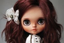 Blythe with friends