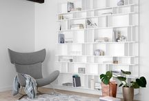 Out in the open / If you're proud of your possessions - show them!  Your favourite books, mementos from travels, the new lamp, or grandmother's vase.. they all look fantastic displayed in the BoConcept wall systems
