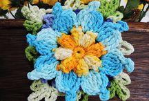 Stuff to Buy / Flor de crochê...