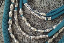 Fabric necklease