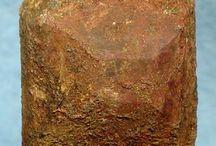 Thorite 09.AD.30 / SILICATES (Germanates) | Structures de Nésosilicates (tétraèdre d'isolement) | Nésosilicates avec anions non familiers ► ThSiO4