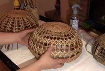 cesteria con periodicos