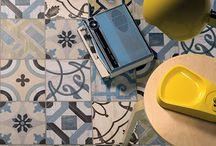 Imitation carreaux de ciment | Cement tiles pattern / La tendance déco de 2016 : les motifs carreaux de ciment! Louisiane Design vous propose sa sélection de papiers peints imitant parfaitement les carreaux avec des effets vieillis ou à relief.