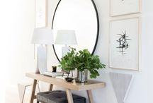 Vanity/table