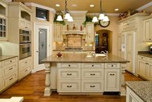 Kitchen Cabinets / Great kitchen cabinets available in Southern California from Cabinet Wholesalers.