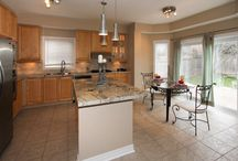Home Staging by MLTDezine - Kitchens / Kitchens Staged by MLTDezine