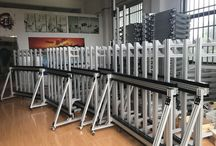Vertical Wall Printer Factory / Vertical machine width is 1.5Mx 2pcs(lead rail), total 3M, printing photo width is 2.6M, it can print any width photo if you have enough extra lead rail. Standard machine height is 2.64M, printing photo height is 2.1M. and customer could order vertical machine height between 2M to 3M.  Usually wall printer can print any photo and words on wall, ceramic tile, glass, paper, canvas etc. for decoration and advertising.
