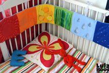 Своими руками для новорожденных / Бортики на кроватку, игрушки, карусели, развивающие коврики для новорожденных и малышей. Подарки на выписку своими руками. Торт из памперсов