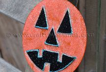 Crafts for Kids Halloween / by Becky Johns