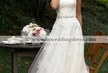 wedding dress / by Angélica de Brito