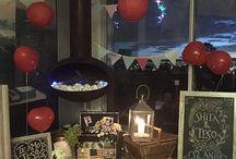 Picnic Aniversario Shita y Teso / Un picnic en casa con muchos detalles que contagian el ambiente de amor e intimidad, experimentando un momento mágico y eterno que desborda todos los sentidos.  El menú: Tablitas de quesos y jamones, variedad de panes y tostaditas, paté, variedad de frutas, mini mermeladas y postre personal de tiramisú.  #CateringyEventos #picnic #picnicencasa #hechoconamor #sorpresa #momentosmagicos