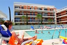 Villeneuve-Loubet - Résidence Le Royal Cap / A 100 m de la plage de Villeneuve-Loubet, découvrez la résidence Le Royal Cap. Des appartements de standing, une piscine extérieure chauffée pour vous permettre de passer de bonnes vacances.