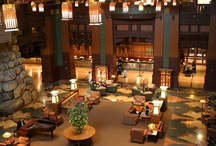 Grand Hotel Decor Lobbies / Enter a warm, inviting entrance to any grand hotel you set foot in when traveling to your destination