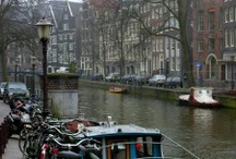 Wander Netherlands / Wander Netherlands, one of the most popular tourist attractions in Europe. Filled with canals and bridges, both the country and its capital city of Amsterdam are filled with wow moments.