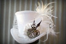 Steampunk hats / That's to have blue feather and the stick is old
