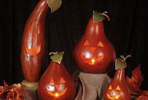 Terra cotta and gourds / Terra cottage pots,gourds,crafts.patterns.ideas.painted / by Laurie Dowdy Stewart