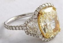 Engagement & Wedding Rings / Diamonds, gems, and precious stones to sparkle like the waters of Tahoe
