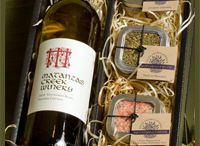 Holiday Gift Ideas / wine gifts for any occasion but especially for the holidays!